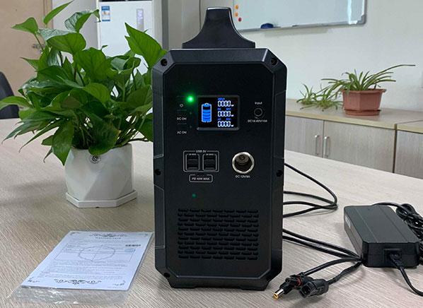 1000W 1200Wh Portable Solar Power Station EB120 01